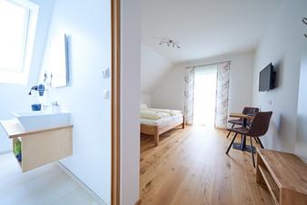 Zimmer Weinblick - Lippnsepp (9).jpeg