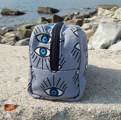 carry-all zip pouch