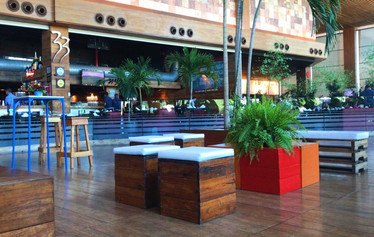 Lounge rústico para Salvador Shopping
