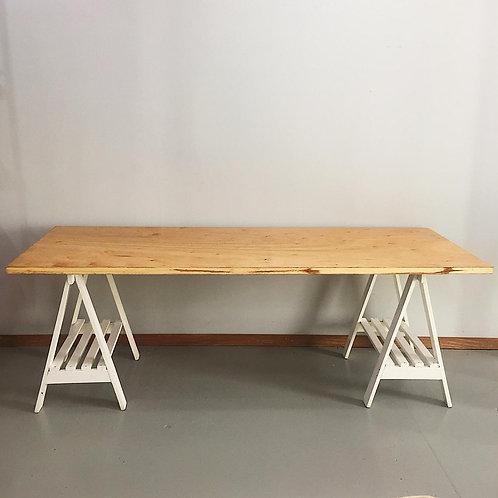 Mesa Cavalete em Branco >> 2,10m x 0,80m
