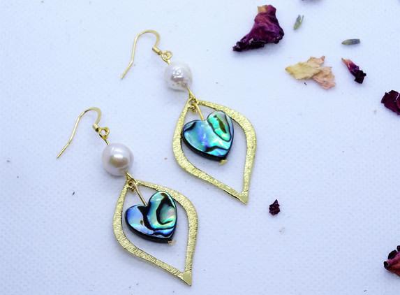 elegant-earrings-pearl-and-paua-shell-1