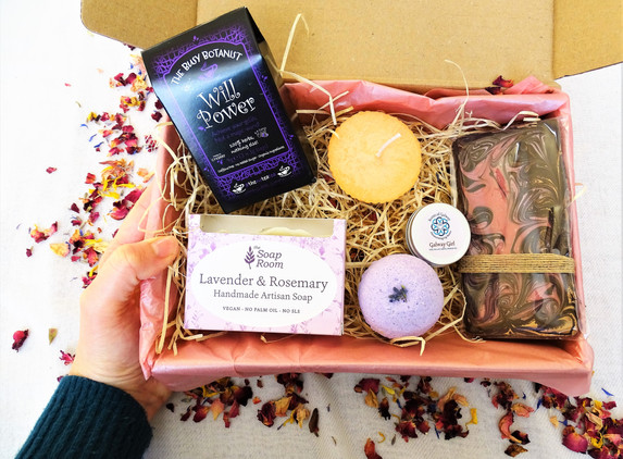 small-gift-box-for-her-any-occasion