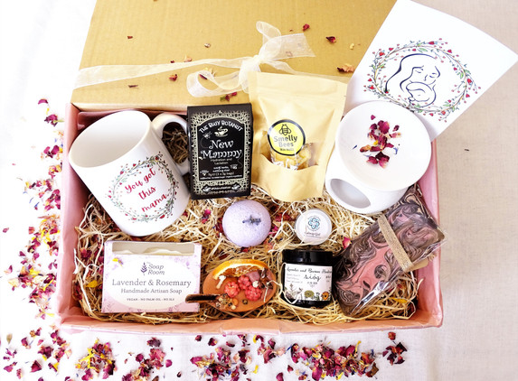 mama-box-gift-box-for-new-mom-local-products-only-support-small-businesses