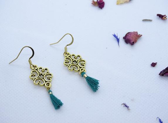 elegant-and-original-earrings