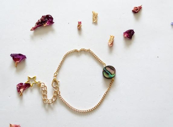 elegant-bracelet-for-her-paua-shell