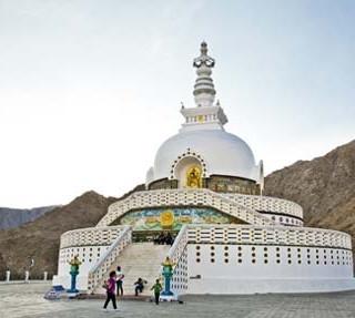 ladakh-honeymoon-tour-4639.jpg