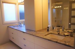 dual sinks in master ensuite