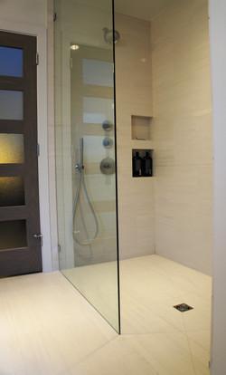 European shower stall