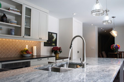 modern, elegant kitchen