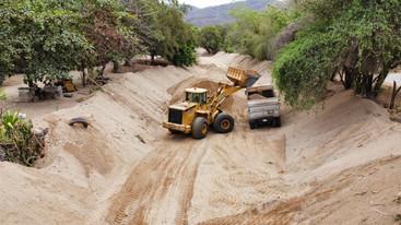 Desazolva Ayuntamiento de Manzanillo Arroyo Milpillas de El Colomo