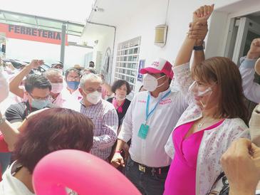 Fuerza Por México registra a Claudia Yáñez como candidata al gubernatura de Colima