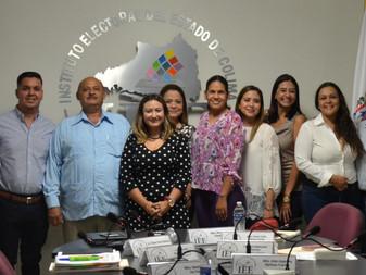 IEE Colima entrega constancia de regidor de RP a Roberto Chapula de la Mora