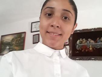 Bitácora de Marly: Crítica Literaria, Mónica Lavín y las caras del amor