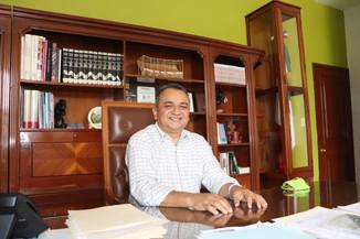 Garantizado, sueldos y aguinaldos a trabajadores del ayuntamiento de Villa de Álvarez: Felipe