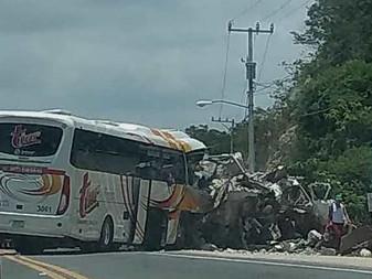 4 fallecidos en accidente automovilístico en la carretera Manzanillo-Barra de Navidad