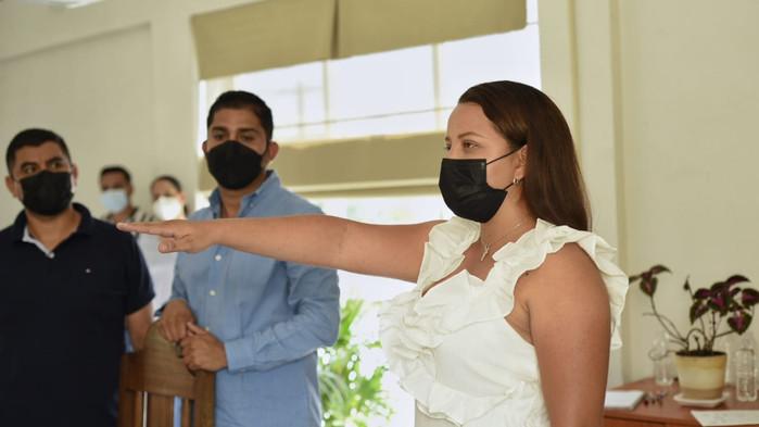 Rinden protesta director de Agua Potable y regidora suplente de Cuauhtémoc