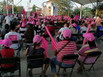 Es muy lamentable injusta la situación de pobreza en que viven familias tecomenses: Claudia Yáñez