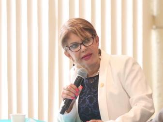 Se pronuncia Claudia Yáñez  por la necesidad de recuperar la certificación del camarón