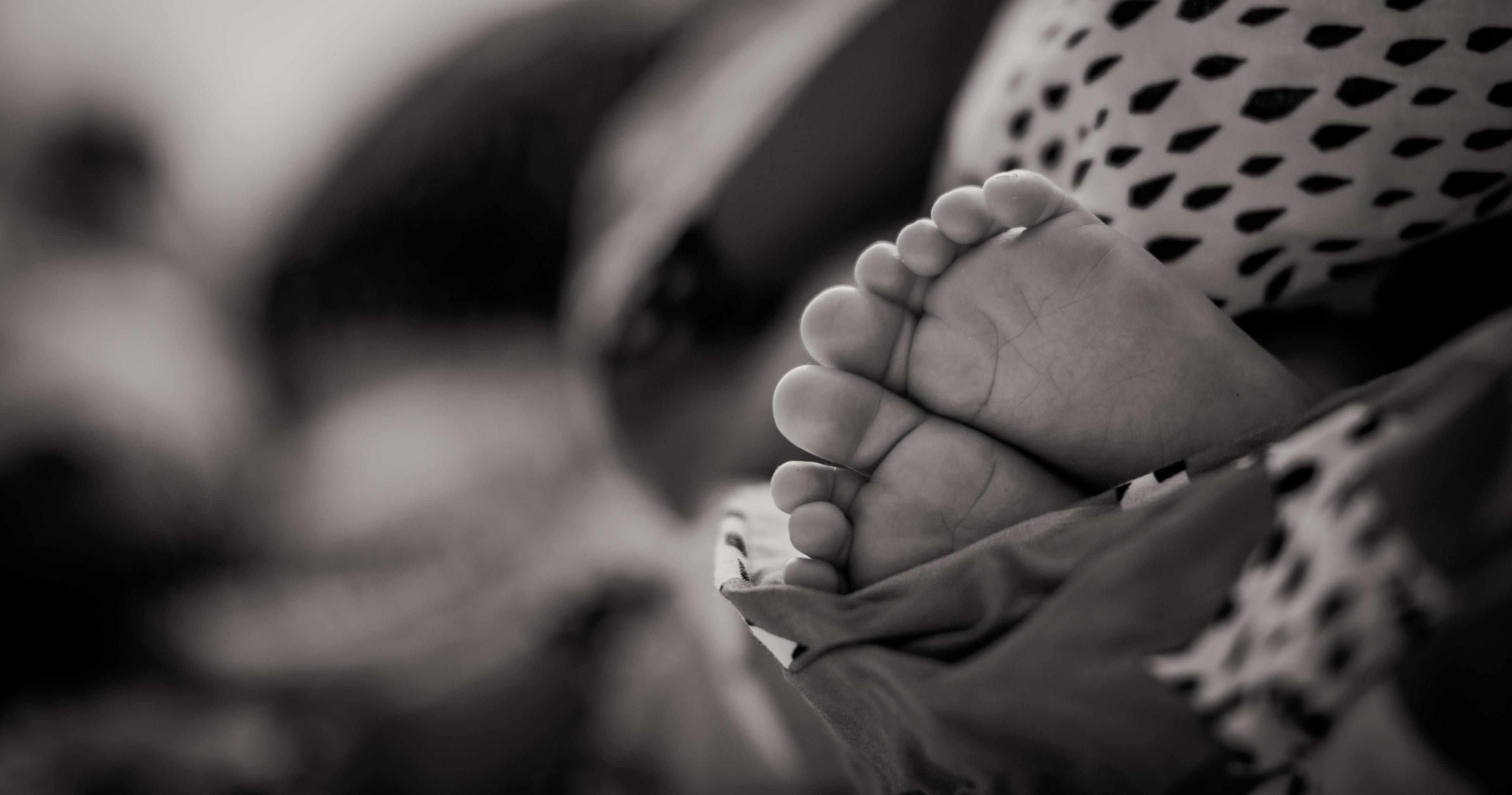 baby feet janko-ferlic-152866-unsplash