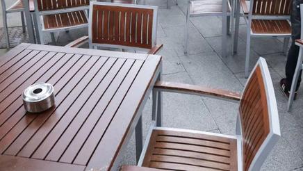 Comercios, jubilados, funcionarios y hosteleros sin terraza colaboran contra la subida de tasas
