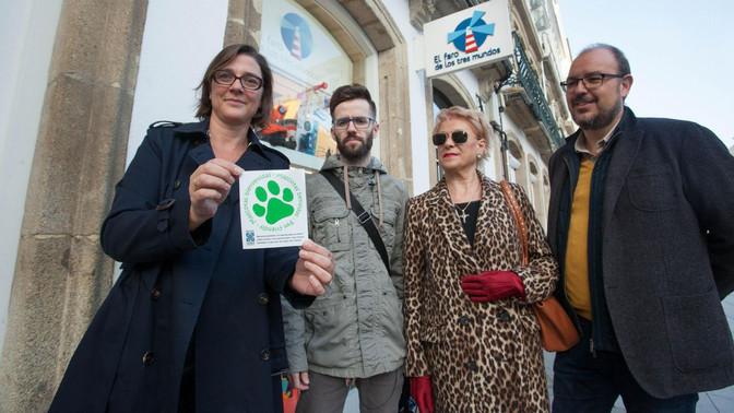 Lugo Monumental inicia una campaña a favor de la convivencia con mascotas en los locales