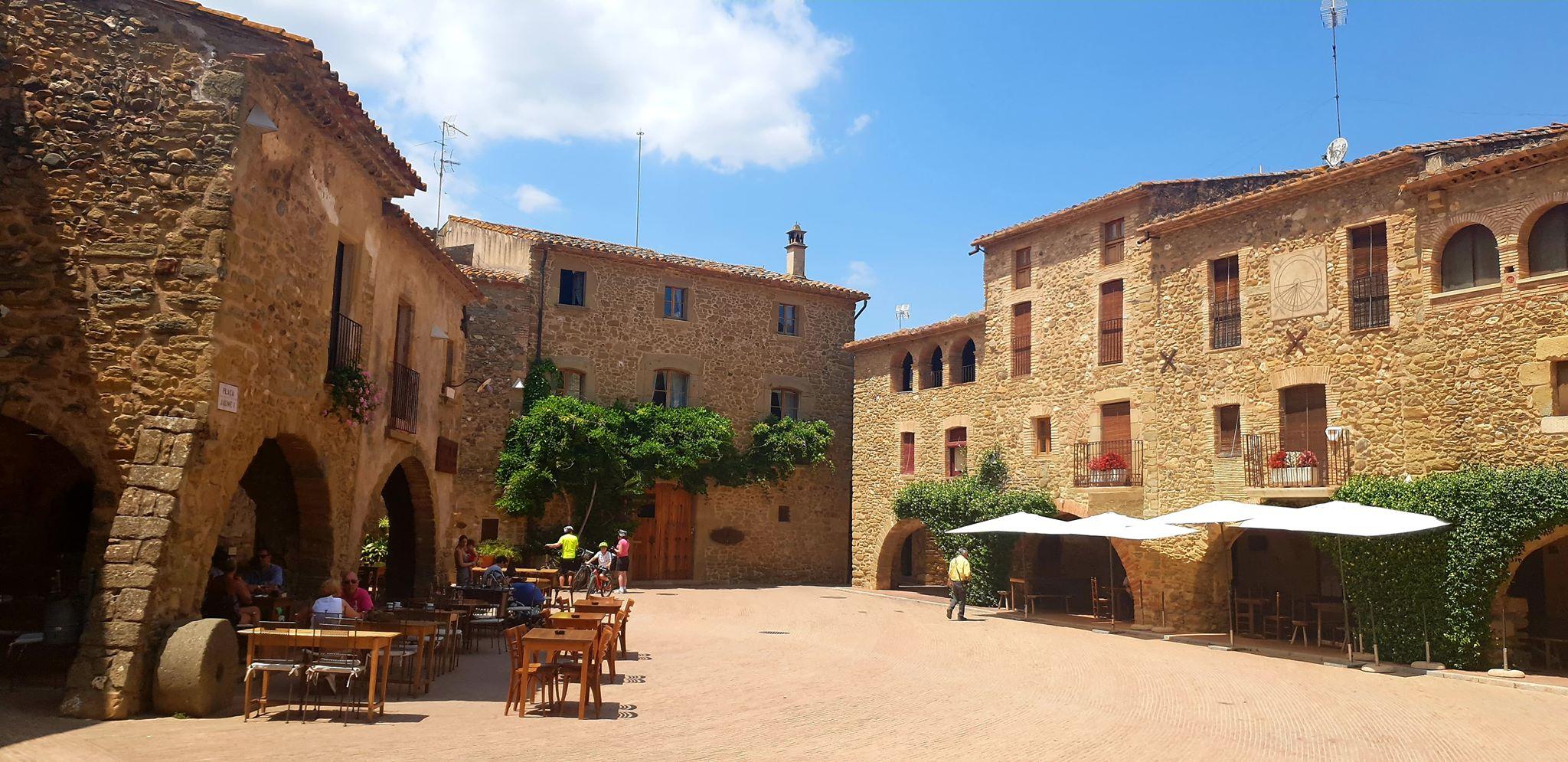 Cycling & Yoga Retreat in Girona