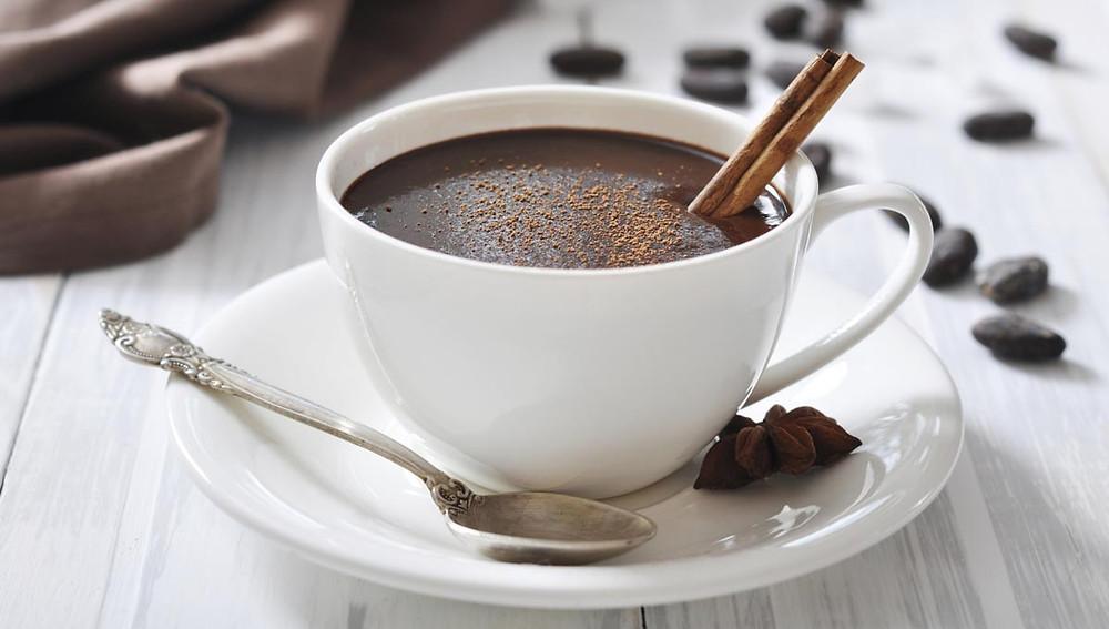 Как приготовить горячий шоколад?