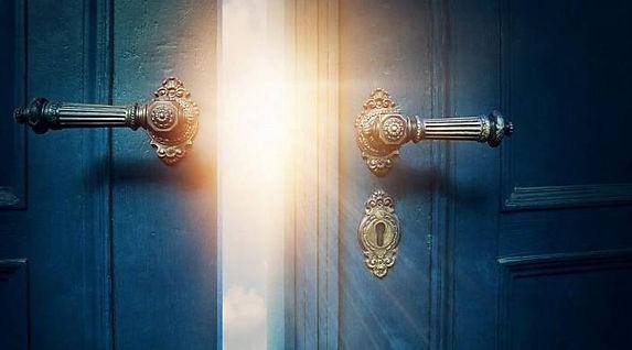 Porte lumière vie antérieure.jpg