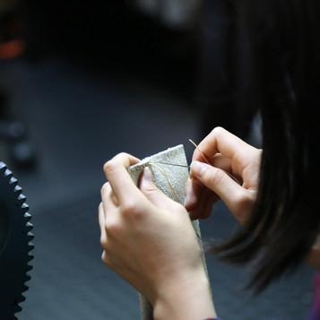 手縫い(レザーティッシュケース)