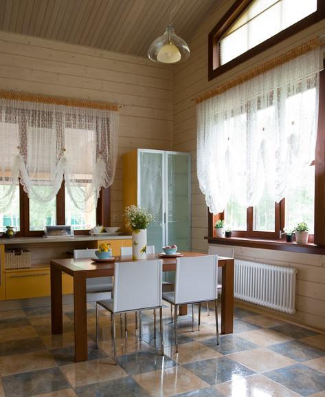 Деревянный дом с душой романтика