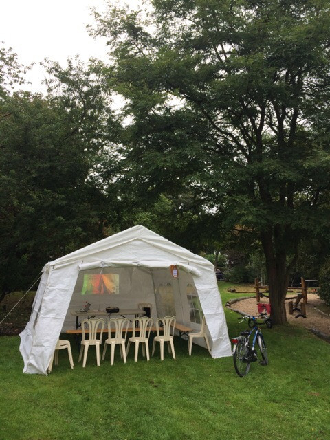 Luisterlezing in het park in Nijmegen