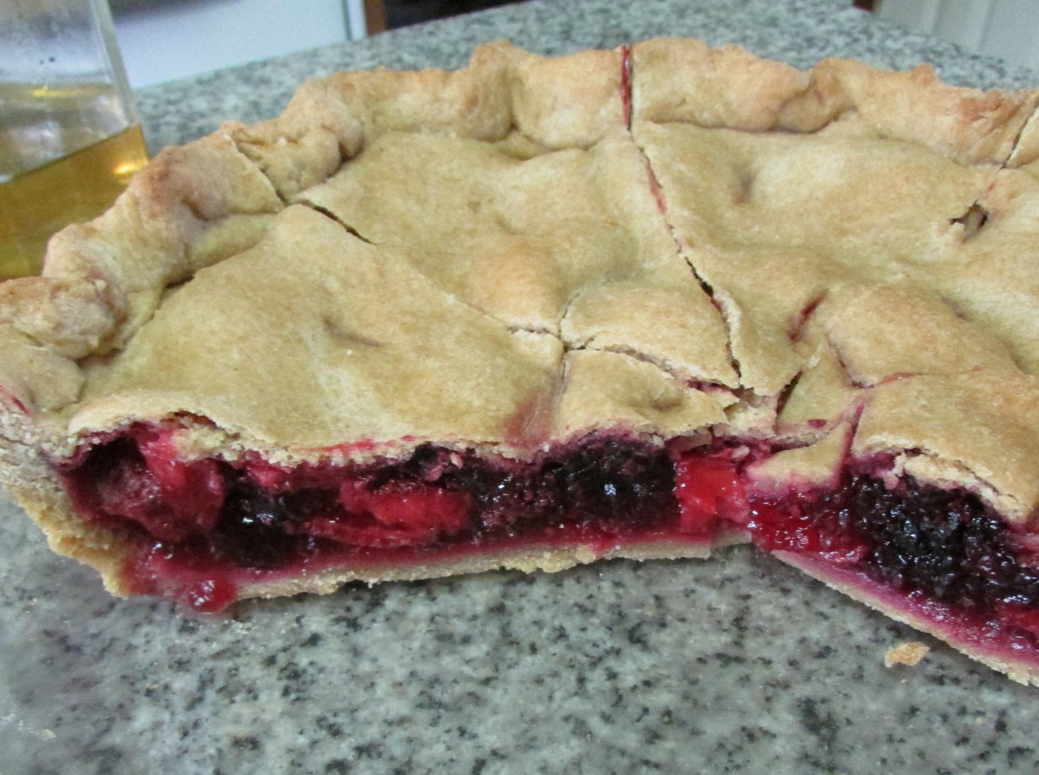 Bumbleberry pie