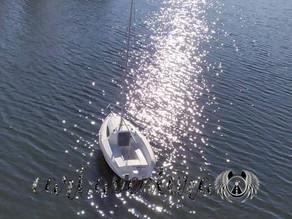 O barco não sabe que é barco.