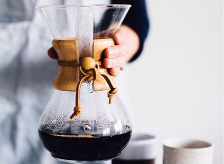 O charme da cafeteira estilo Chemex.