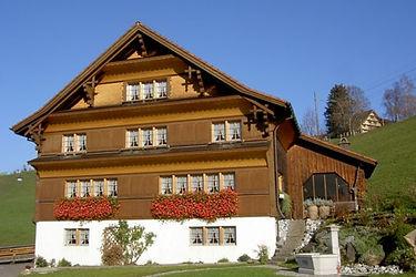 holzbau-toggenburgerhaus-staenderbau.jpg