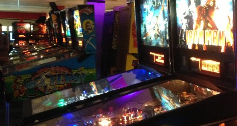 '70s, '80s and '90s Nostalgia: Pinballz Arcade