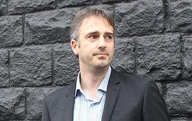 Dr Simon Hall