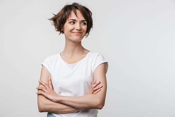 Image of optimistic woman in basic t-shi