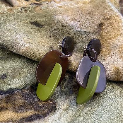 Beezy earrings