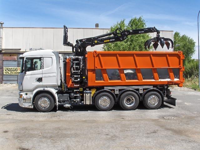 Battistini-Scania-cassa con gru Q150 005