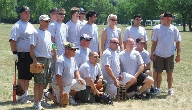 Softball Team 2010.jpg