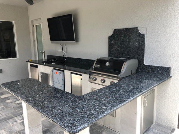 BLUE PEARL GRANITE LEVEL 2 OUTDOOR KITCHEN