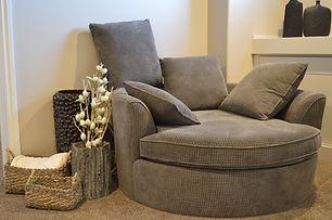 sofa-1078931_1920.jpg