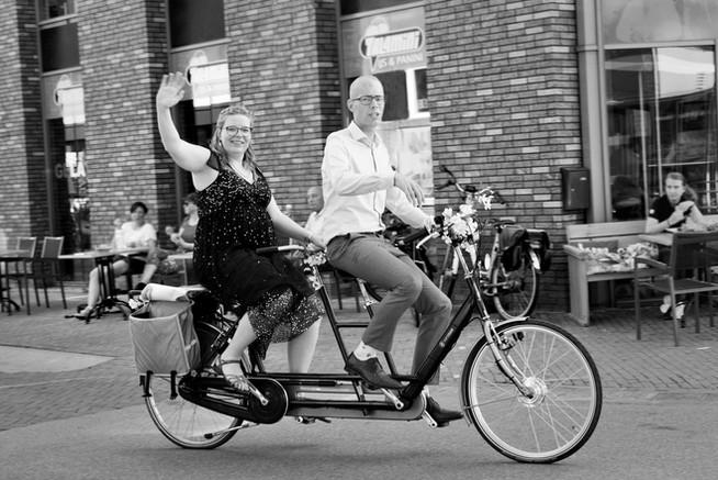 bruiloft-op-defiets-in-Apeldoorn.jpg