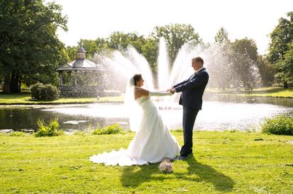 trouwfoto gemaakt in Oranjepark Apeldoorn.JPG