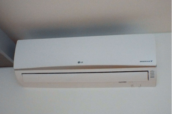 LG Air conditioning High Wall unit