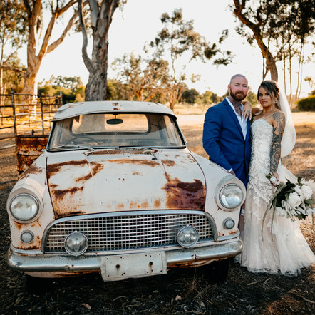 A White Wedding at The Barn, Hopeland