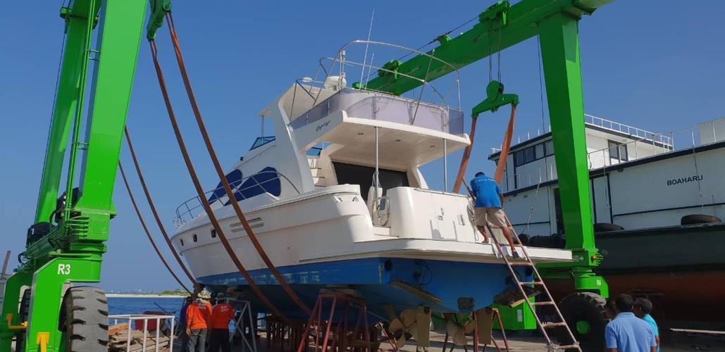 55ft Rehendhi Yacht Conrad Maldives