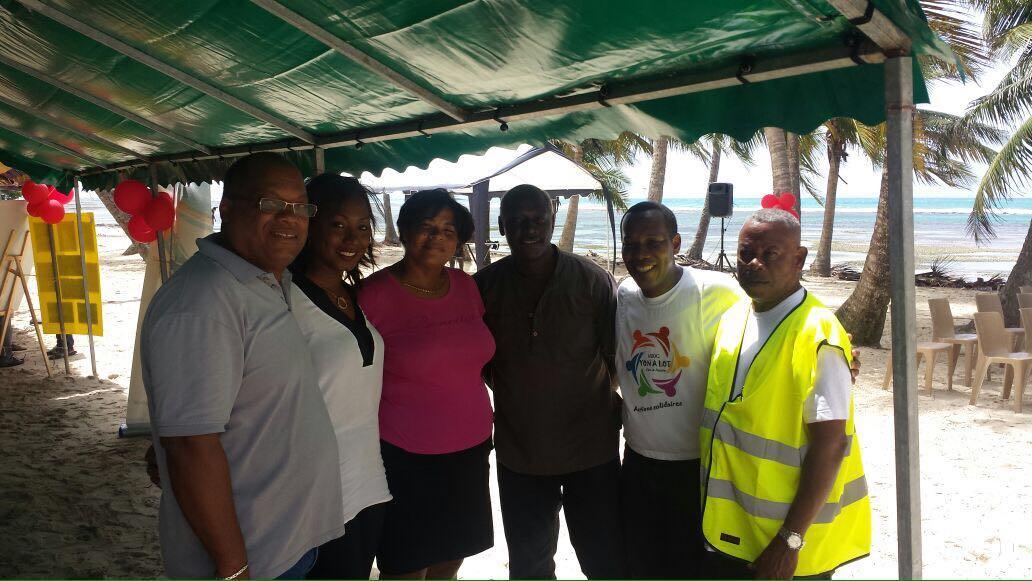 Avec des élus de la ville