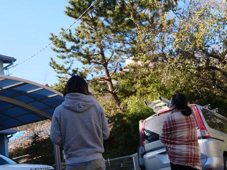 神奈川県鎌倉市七里ヶ浜のお客様のお宅へ屋根工事のお見積依頼をいただきました。